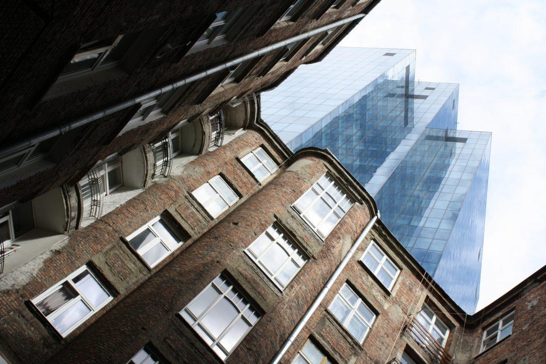 Stare i nowe budynki