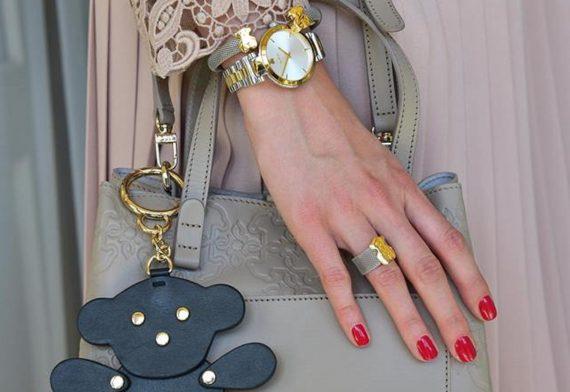 zegarek w damskiej stylizacji