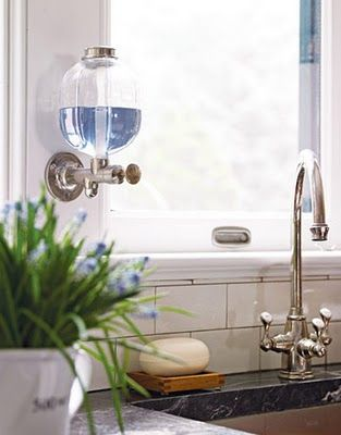 Kuchenny dozownik mydła