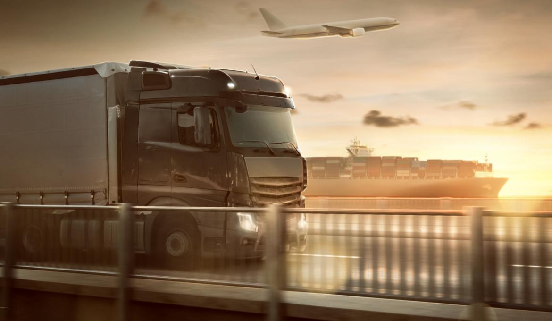 Ciężarówka i samolot