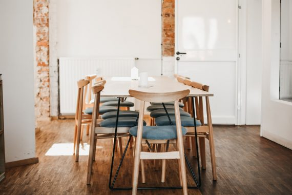 Stół w jadalni