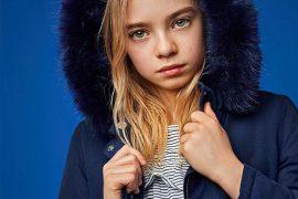Dziewczyna w kurtce Minoti