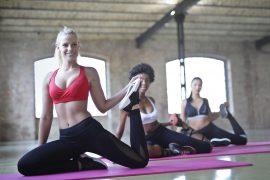 Kobiety podczas jogi