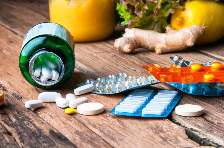 Suplementy diety, warzywa i owoce