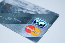Plastikowa karta płatnicza