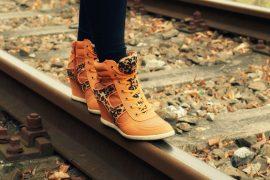 Markowe pomarańczowe buty