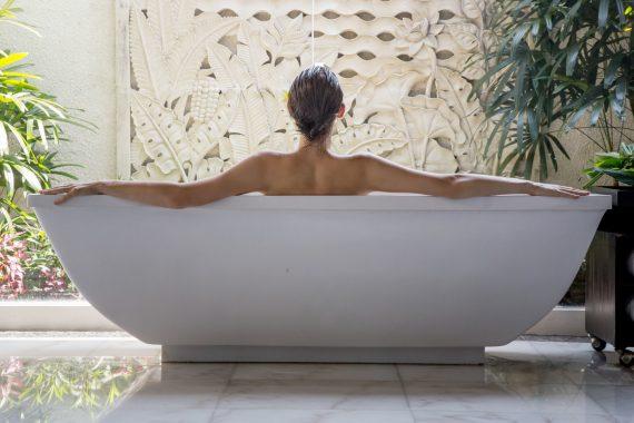 Kąpiel z solami do kąpieli