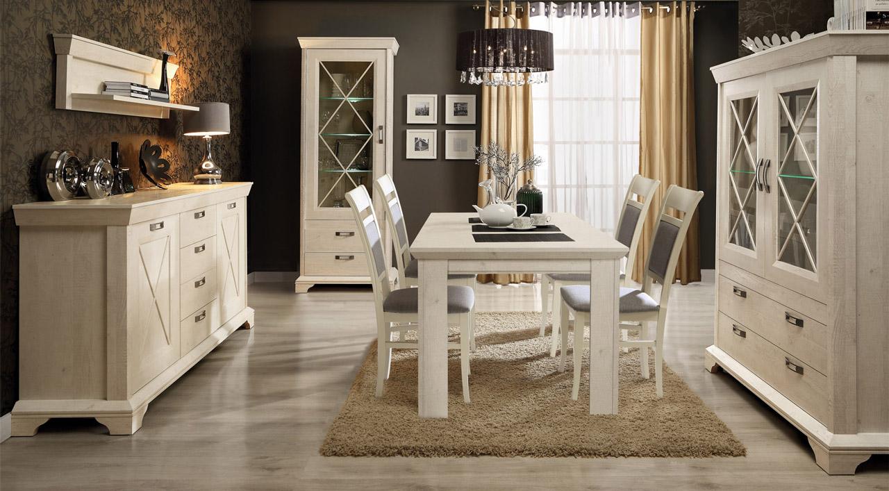 Biały stół i klasyczne krzesła