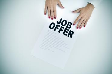 Kartka z napisem Job Offer