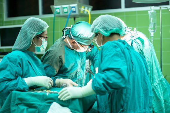 rekonstrukcja więzadła