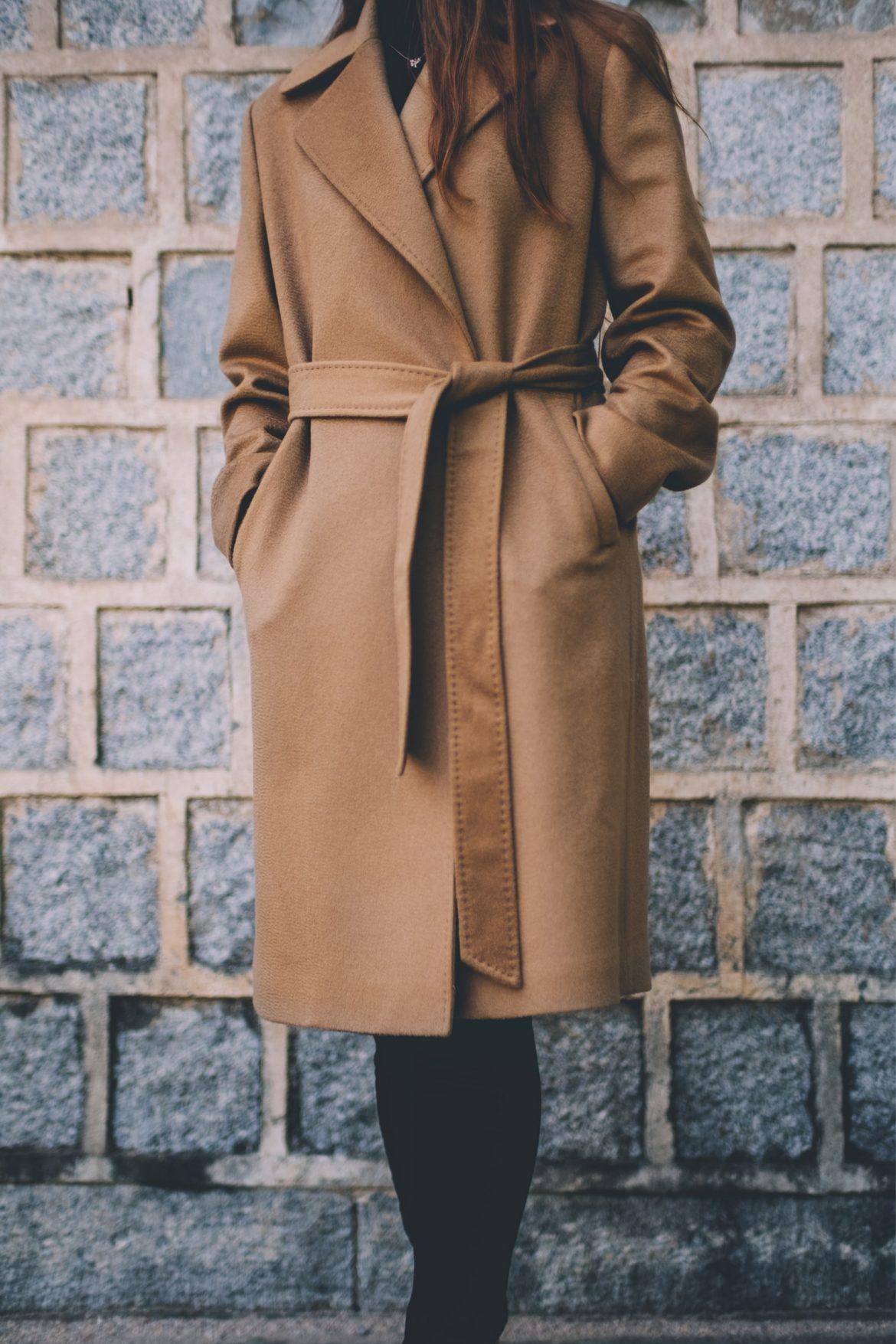 Płaszcz w kolorze nude