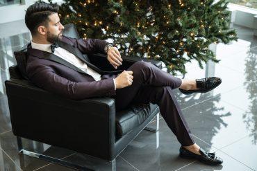 elegancki mężczyzna ubrany we włoskim stylu
