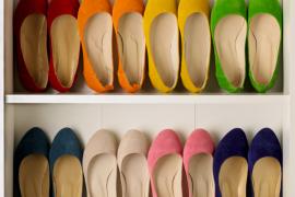 kolorowe baleriny w szafie