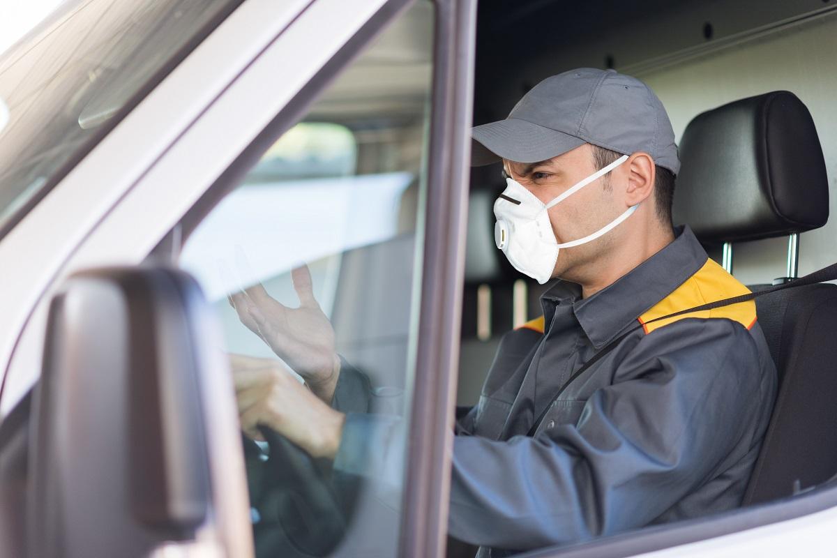 kierowca w czasach pandemii