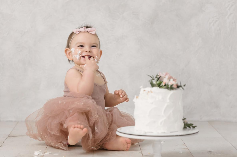 sesja zdjeciowa smash cake