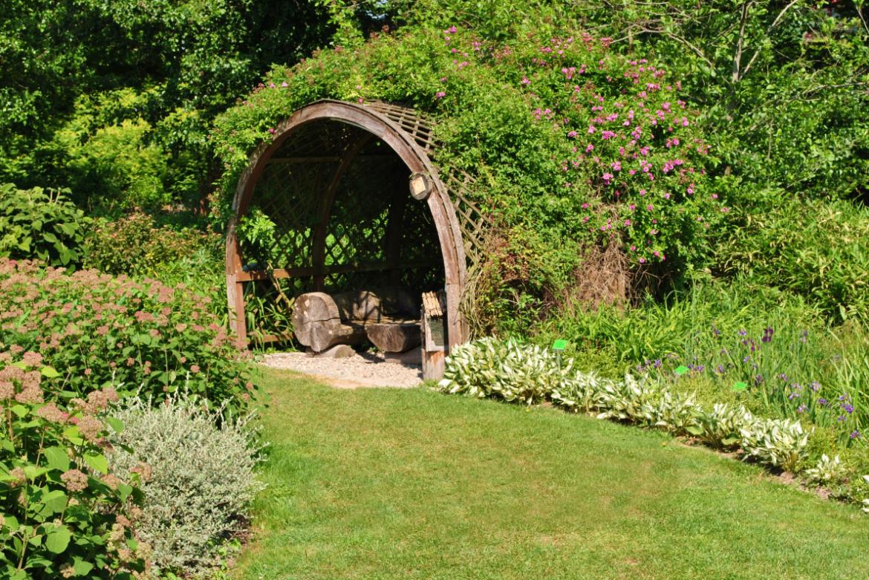 zielona altana ogrodowa