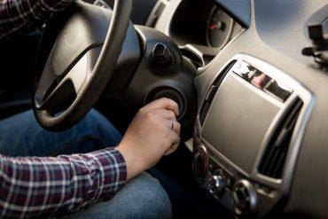 Akumulator czy rozrusznik: co sprawia, że twój samochód pracuje nieprawidłowo i nie może odpalić?