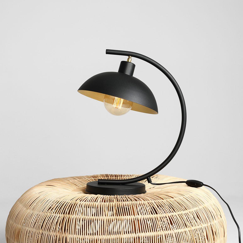 lampka na koszu wiklinowym