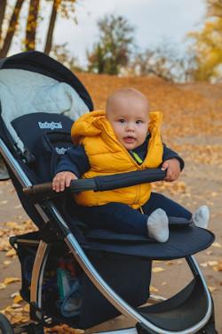 wózek spacerowy siedzący niemowlak