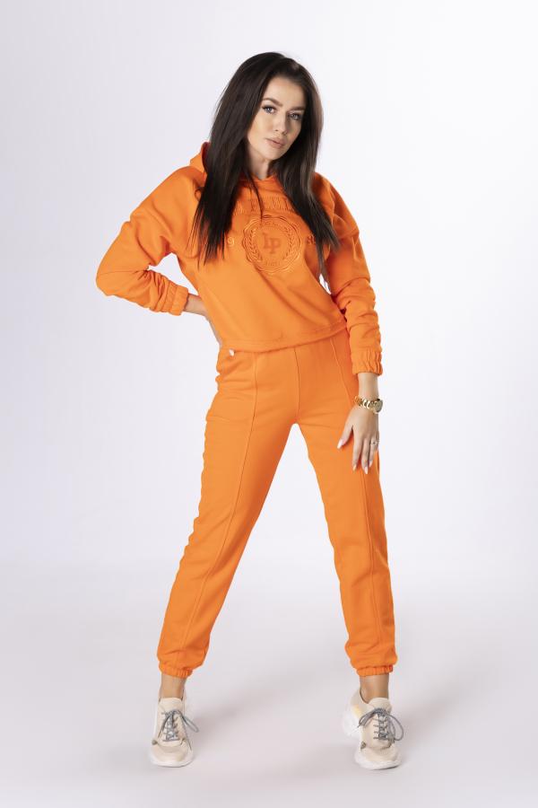pomarańczowy dres kobiecy