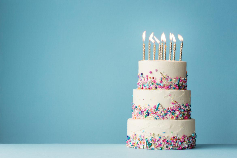 tort ze świeczkami